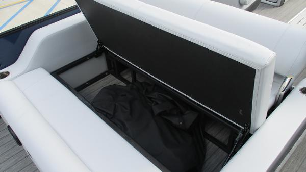 2021 Bentley boat for sale, model of the boat is Elite 223 Swingback (Full Tube) & Image # 21 of 61
