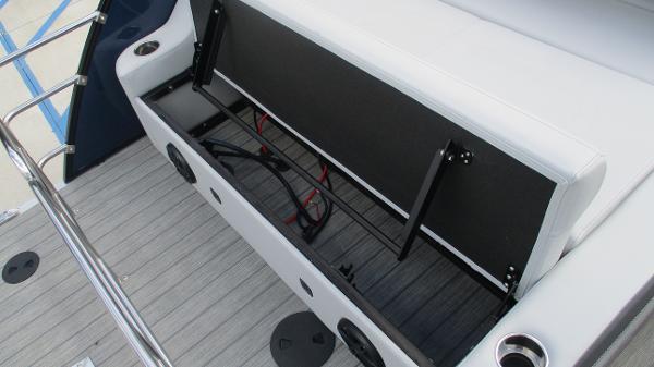 2021 Bentley boat for sale, model of the boat is Elite 223 Swingback (Full Tube) & Image # 23 of 61
