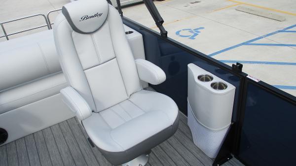 2021 Bentley boat for sale, model of the boat is Elite 223 Swingback (Full Tube) & Image # 24 of 61