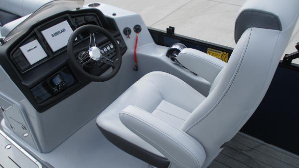 2021 Bentley boat for sale, model of the boat is Elite 223 Swingback (Full Tube) & Image # 25 of 61