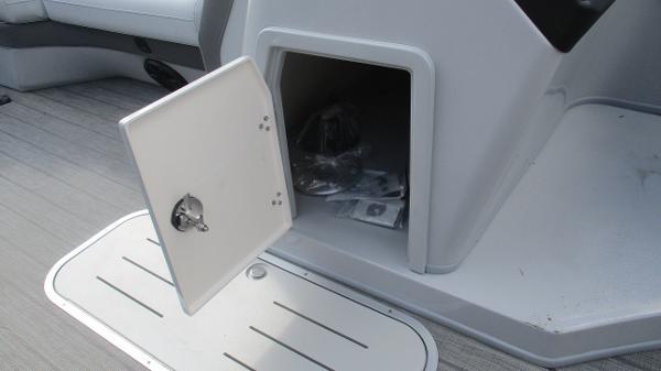 2021 Bentley boat for sale, model of the boat is Elite 223 Swingback (Full Tube) & Image # 37 of 61