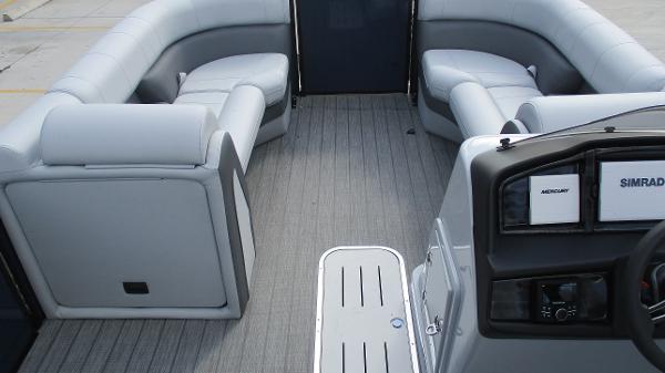 2021 Bentley boat for sale, model of the boat is Elite 223 Swingback (Full Tube) & Image # 40 of 61
