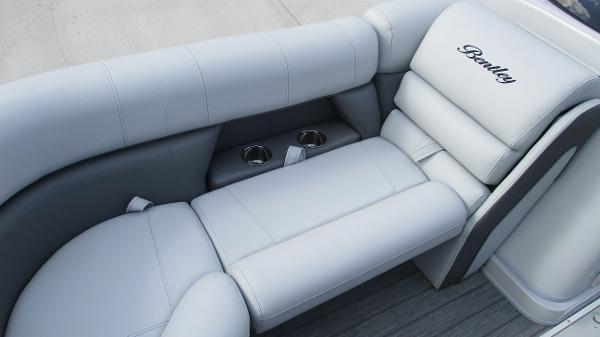 2021 Bentley boat for sale, model of the boat is Elite 223 Swingback (Full Tube) & Image # 41 of 61