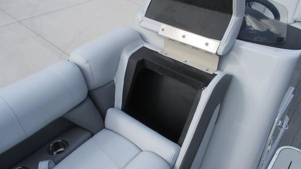 2021 Bentley boat for sale, model of the boat is Elite 223 Swingback (Full Tube) & Image # 43 of 61