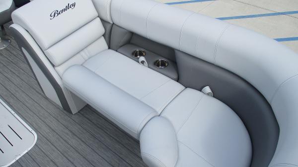 2021 Bentley boat for sale, model of the boat is Elite 223 Swingback (Full Tube) & Image # 48 of 61