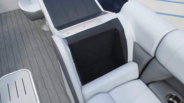 2021 Bentley boat for sale, model of the boat is Elite 223 Swingback (Full Tube) & Image # 50 of 61