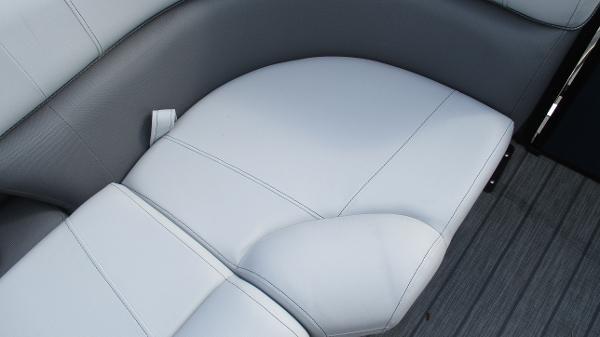 2021 Bentley boat for sale, model of the boat is Elite 223 Swingback (Full Tube) & Image # 53 of 61