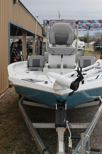 2021 Xpress boat for sale, model of the boat is H20B & Image # 5 of 10