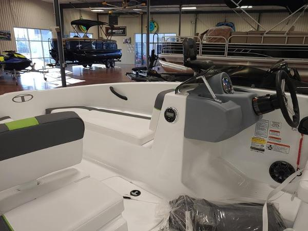 2020 Tahoe boat for sale, model of the boat is T16 & Image # 4 of 6