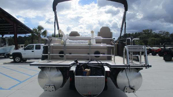 2021 Bentley boat for sale, model of the boat is Elite 223 Swingback (Full Tube) & Image # 8 of 52