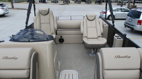 2021 Bentley boat for sale, model of the boat is Elite 223 Swingback (Full Tube) & Image # 10 of 52