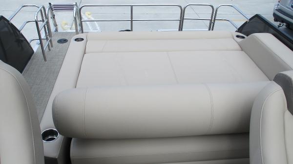 2021 Bentley boat for sale, model of the boat is Elite 223 Swingback (Full Tube) & Image # 12 of 52