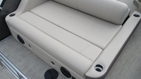 2021 Bentley boat for sale, model of the boat is Elite 223 Swingback (Full Tube) & Image # 15 of 52