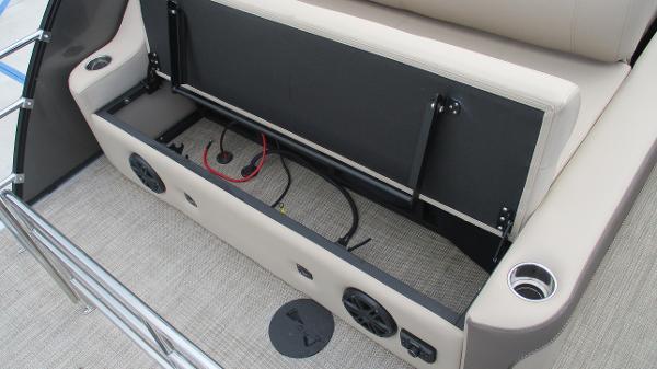2021 Bentley boat for sale, model of the boat is Elite 223 Swingback (Full Tube) & Image # 16 of 52