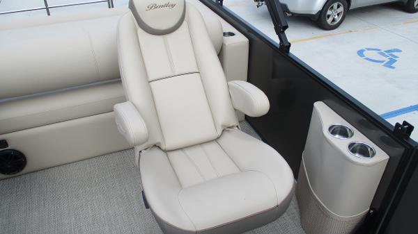 2021 Bentley boat for sale, model of the boat is Elite 223 Swingback (Full Tube) & Image # 18 of 52