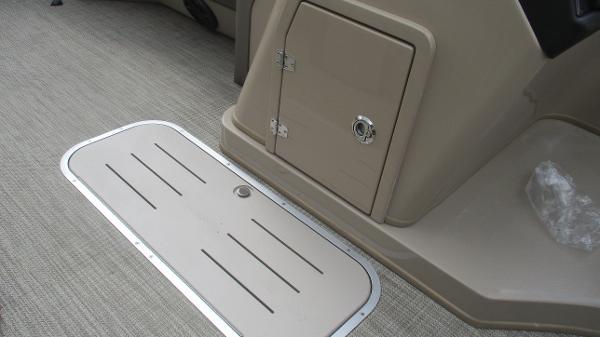 2021 Bentley boat for sale, model of the boat is Elite 223 Swingback (Full Tube) & Image # 30 of 52