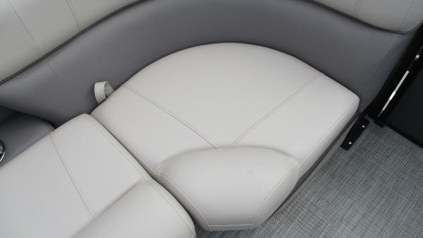 2021 Bentley boat for sale, model of the boat is Elite 223 Swingback (Full Tube) & Image # 39 of 52