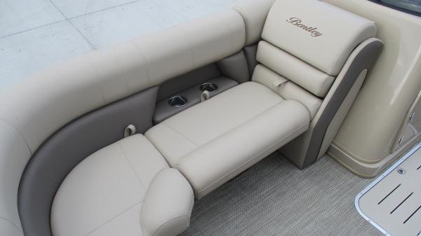 2021 Bentley boat for sale, model of the boat is Elite 223 Swingback (Full Tube) & Image # 41 of 52
