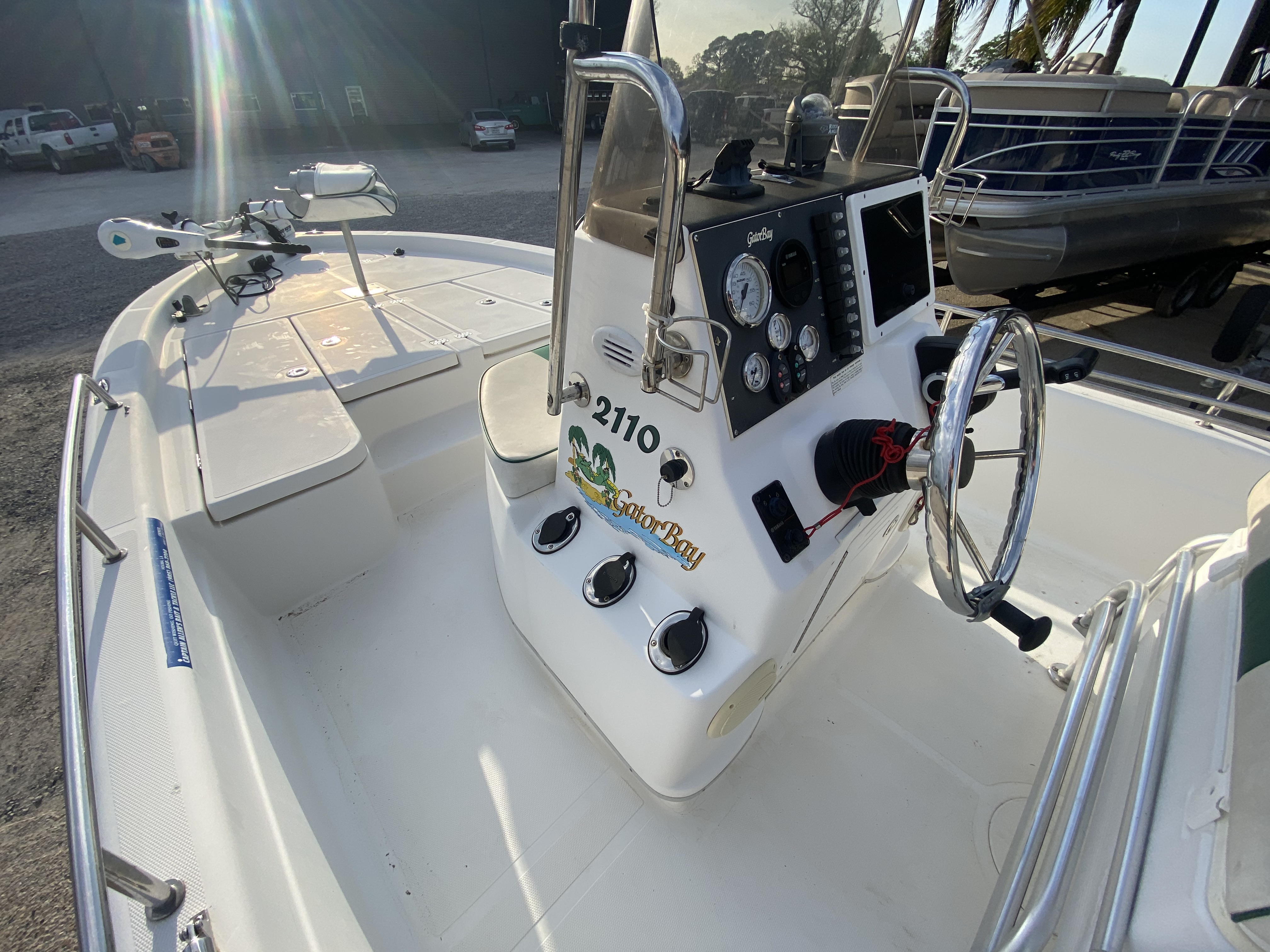 2005 ProGator boat for sale, model of the boat is 2110 CC & Image # 3 of 18