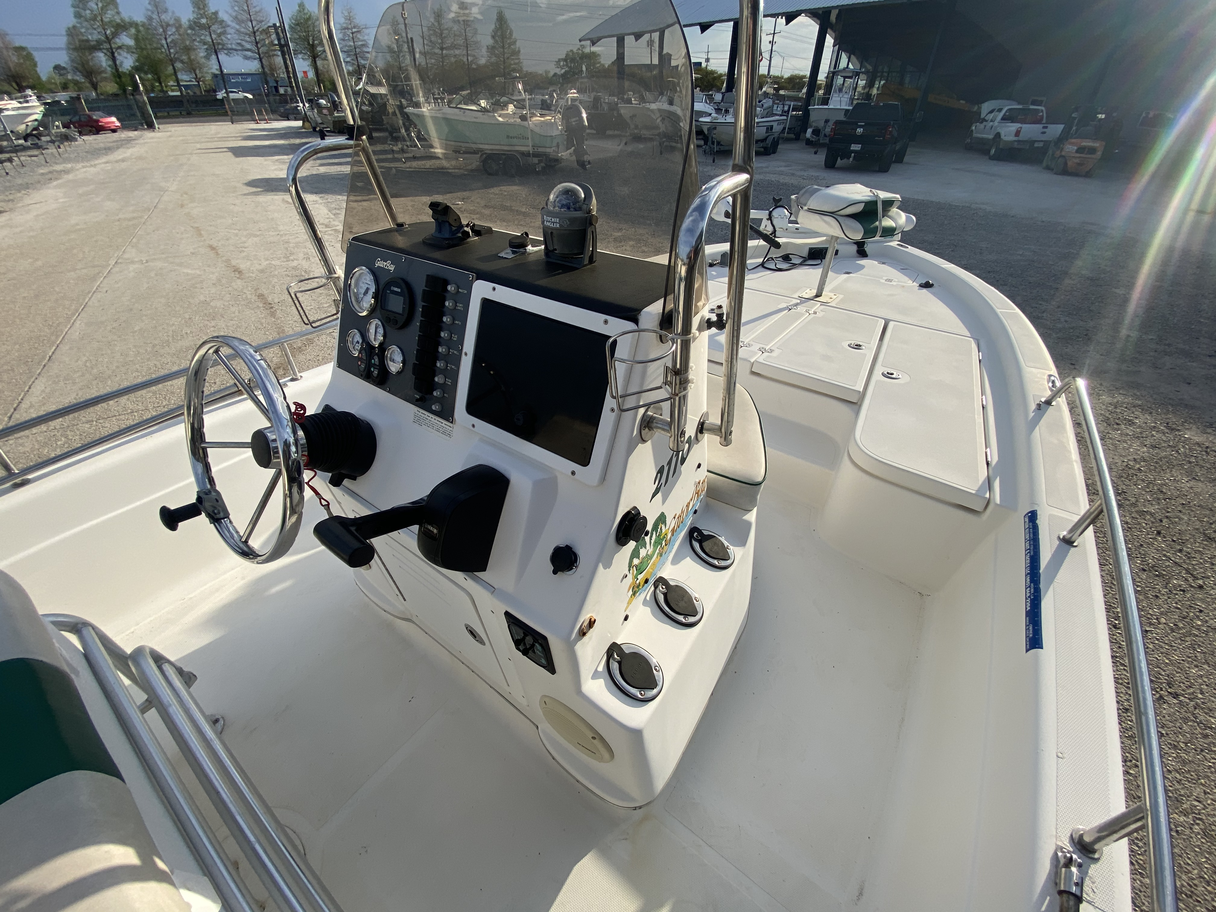 2005 ProGator boat for sale, model of the boat is 2110 CC & Image # 9 of 18