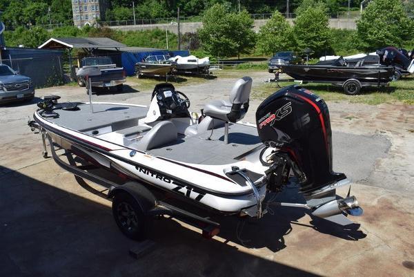 2020 Nitro boat for sale, model of the boat is Z17 & Image # 4 of 41