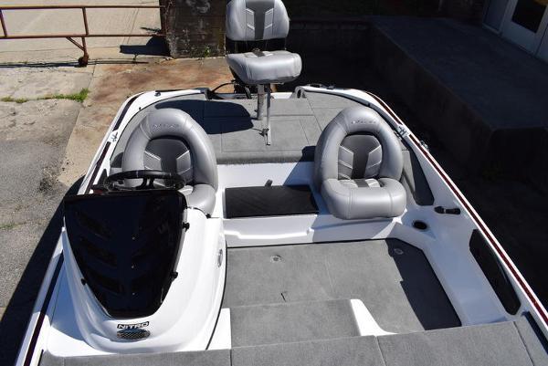 2020 Nitro boat for sale, model of the boat is Z17 & Image # 9 of 41