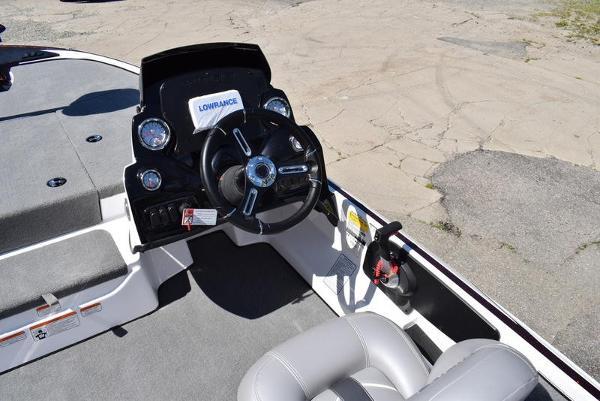 2020 Nitro boat for sale, model of the boat is Z17 & Image # 12 of 41