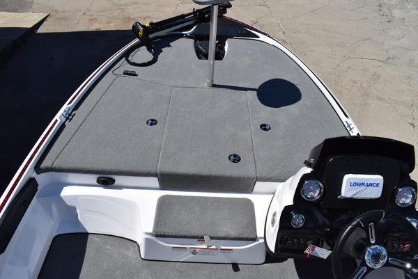2020 Nitro boat for sale, model of the boat is Z17 & Image # 13 of 41
