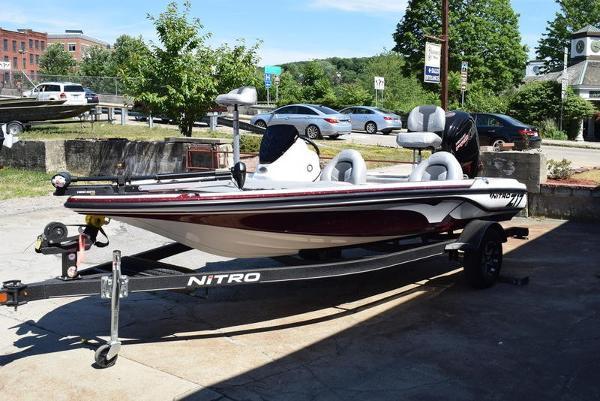 2020 Nitro boat for sale, model of the boat is Z17 & Image # 22 of 41