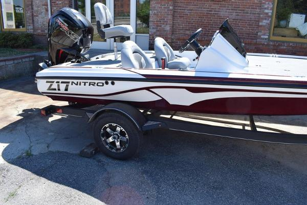 2020 Nitro boat for sale, model of the boat is Z17 & Image # 29 of 41