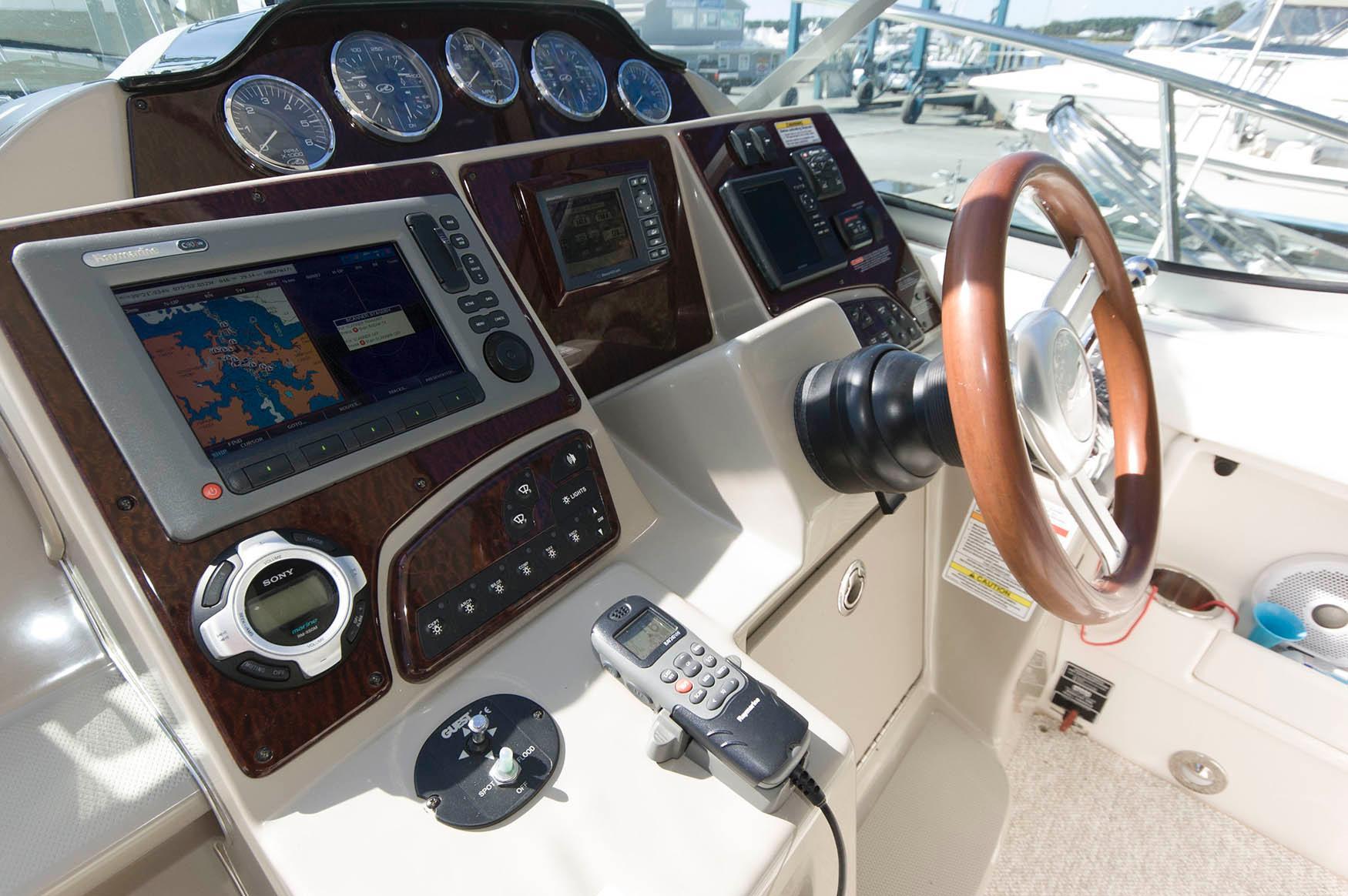 M 5715 KB Knot 10 Yacht Sales