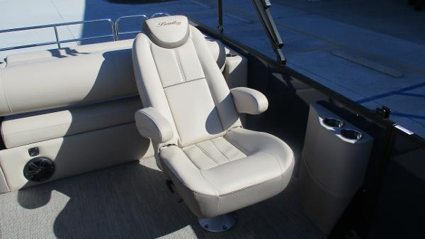 2021 Bentley boat for sale, model of the boat is Elite 223 Swingback (Full Tube) & Image # 12 of 57