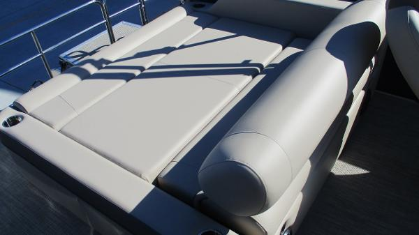 2021 Bentley boat for sale, model of the boat is Elite 223 Swingback (Full Tube) & Image # 13 of 57