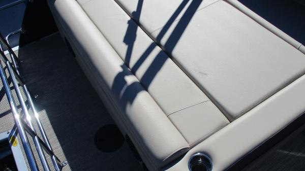 2021 Bentley boat for sale, model of the boat is Elite 223 Swingback (Full Tube) & Image # 14 of 57