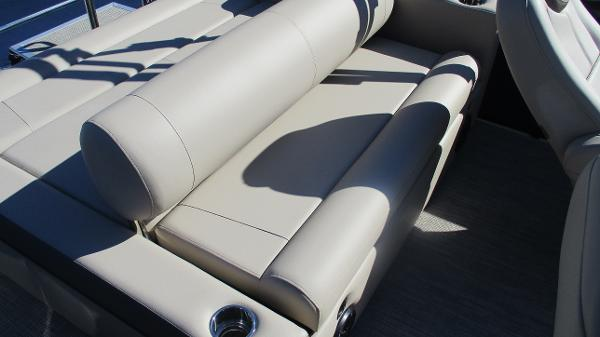 2021 Bentley boat for sale, model of the boat is Elite 223 Swingback (Full Tube) & Image # 19 of 57