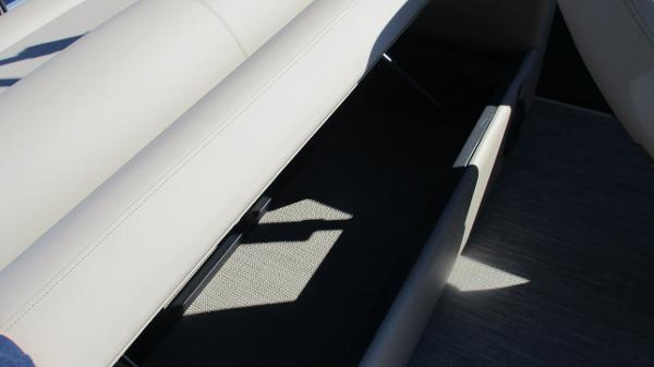 2021 Bentley boat for sale, model of the boat is Elite 223 Swingback (Full Tube) & Image # 20 of 57