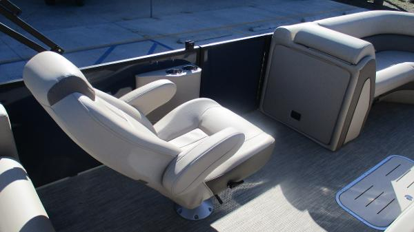 2021 Bentley boat for sale, model of the boat is Elite 223 Swingback (Full Tube) & Image # 21 of 57