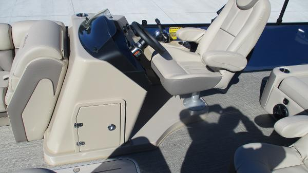 2021 Bentley boat for sale, model of the boat is Elite 223 Swingback (Full Tube) & Image # 25 of 57