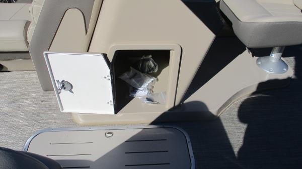 2021 Bentley boat for sale, model of the boat is Elite 223 Swingback (Full Tube) & Image # 26 of 57
