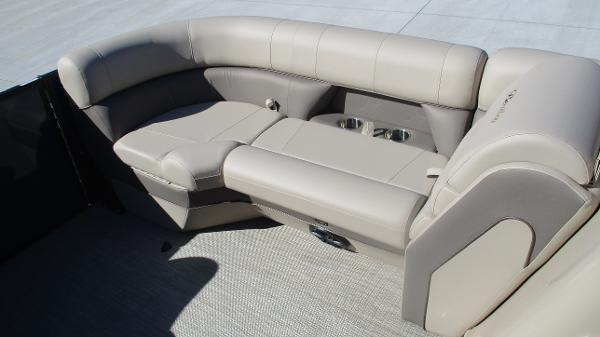 2021 Bentley boat for sale, model of the boat is Elite 223 Swingback (Full Tube) & Image # 37 of 57