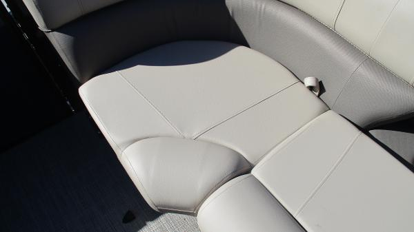 2021 Bentley boat for sale, model of the boat is Elite 223 Swingback (Full Tube) & Image # 42 of 57