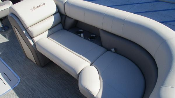 2021 Bentley boat for sale, model of the boat is Elite 223 Swingback (Full Tube) & Image # 44 of 57