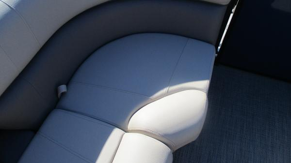 2021 Bentley boat for sale, model of the boat is Elite 223 Swingback (Full Tube) & Image # 49 of 57