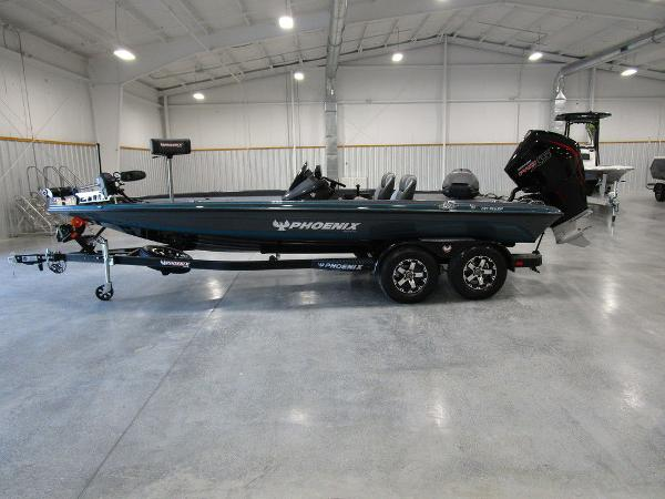 2021 Phoenix boat for sale, model of the boat is 721 ProXP & Image # 2 of 27