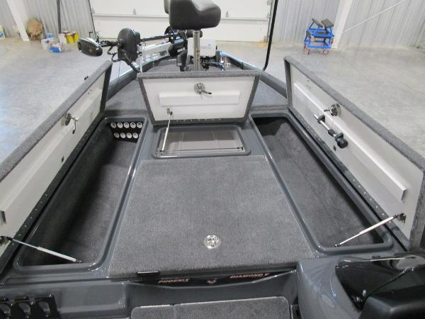 2021 Phoenix boat for sale, model of the boat is 721 ProXP & Image # 24 of 27