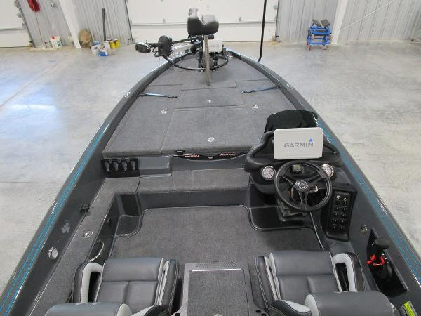 2021 Phoenix boat for sale, model of the boat is 721 ProXP & Image # 25 of 27