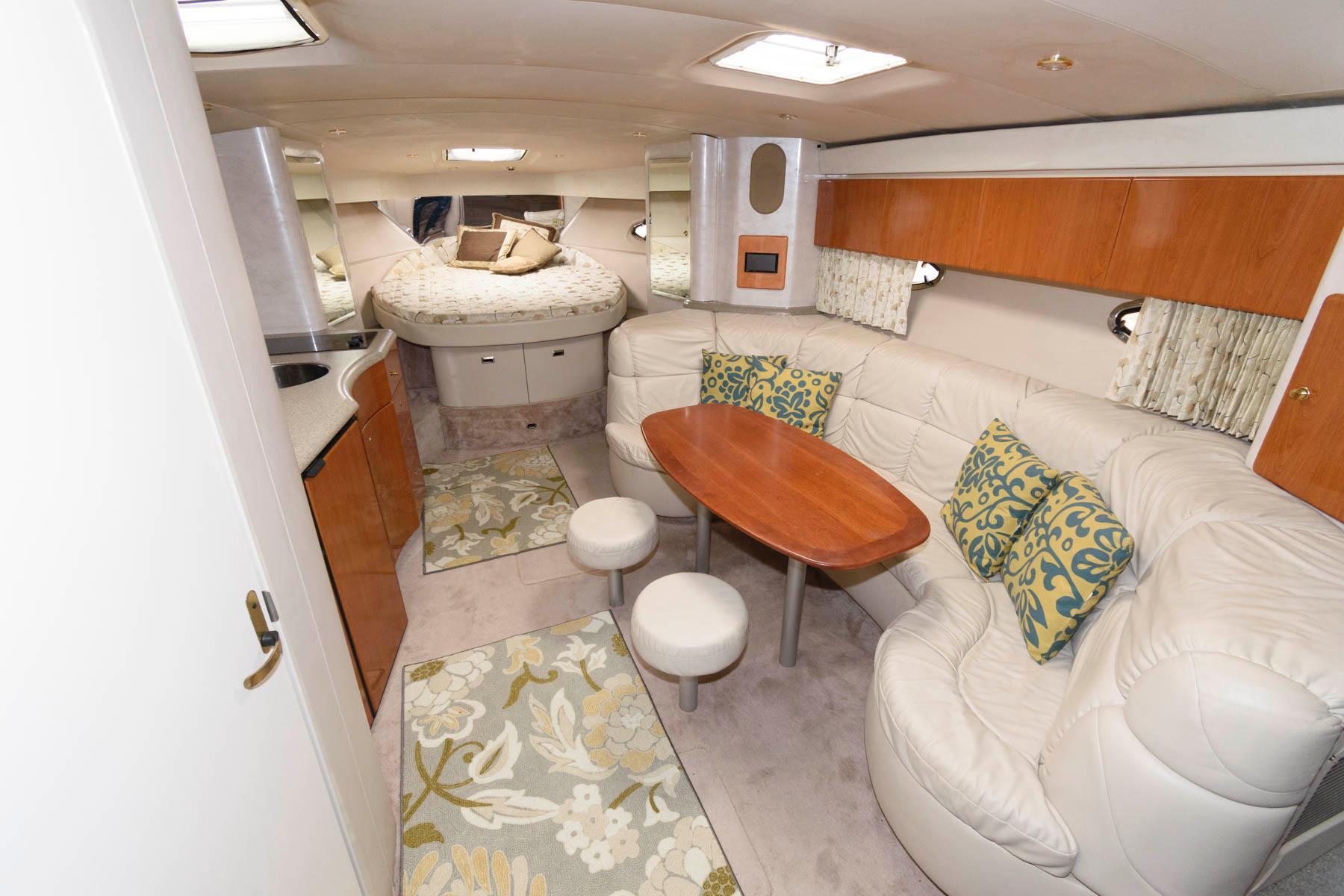 M 6572 EF Knot 10 Yacht Sales