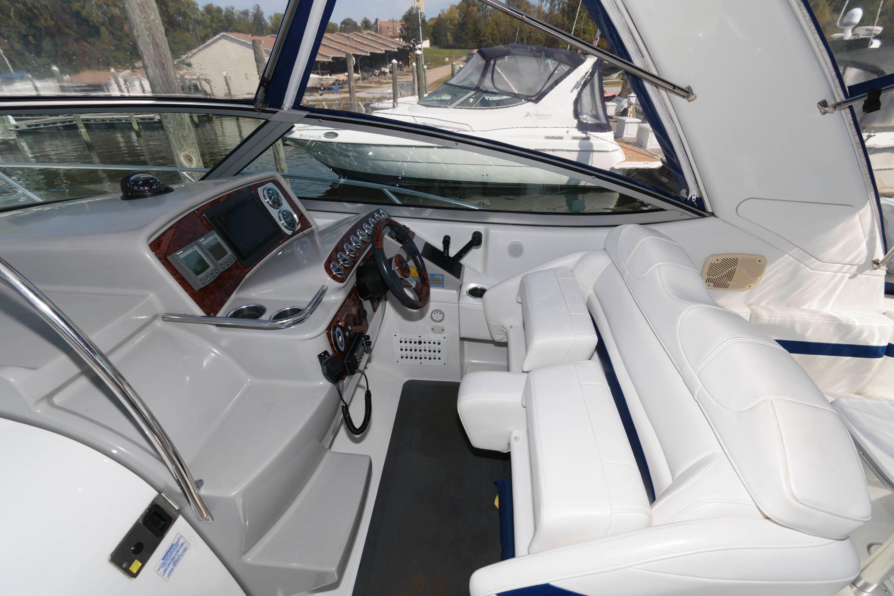 V 5687 WT Knot 10 Yacht Sales