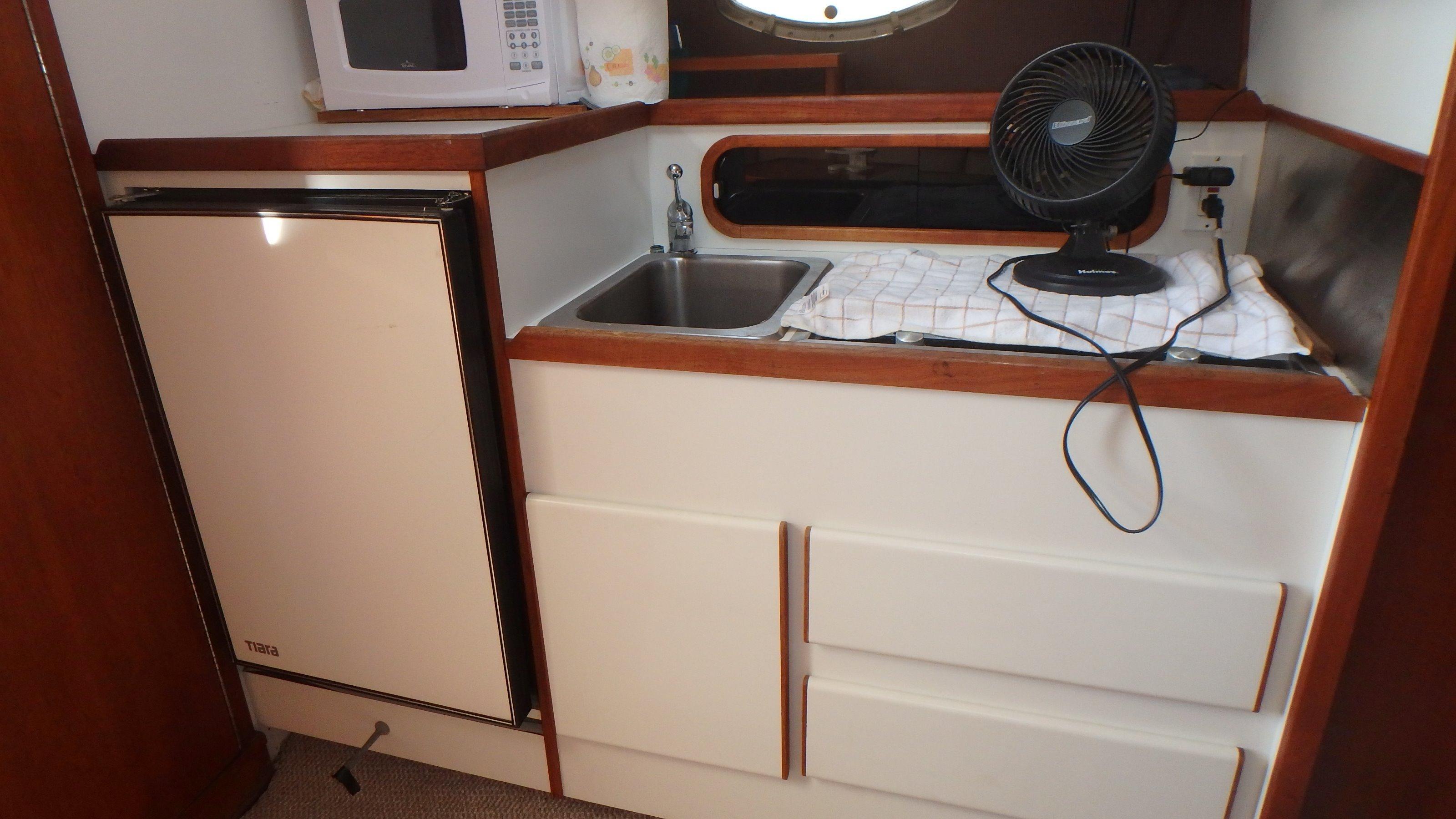 Tiara Yachts 3100 Tower - Photo: #12