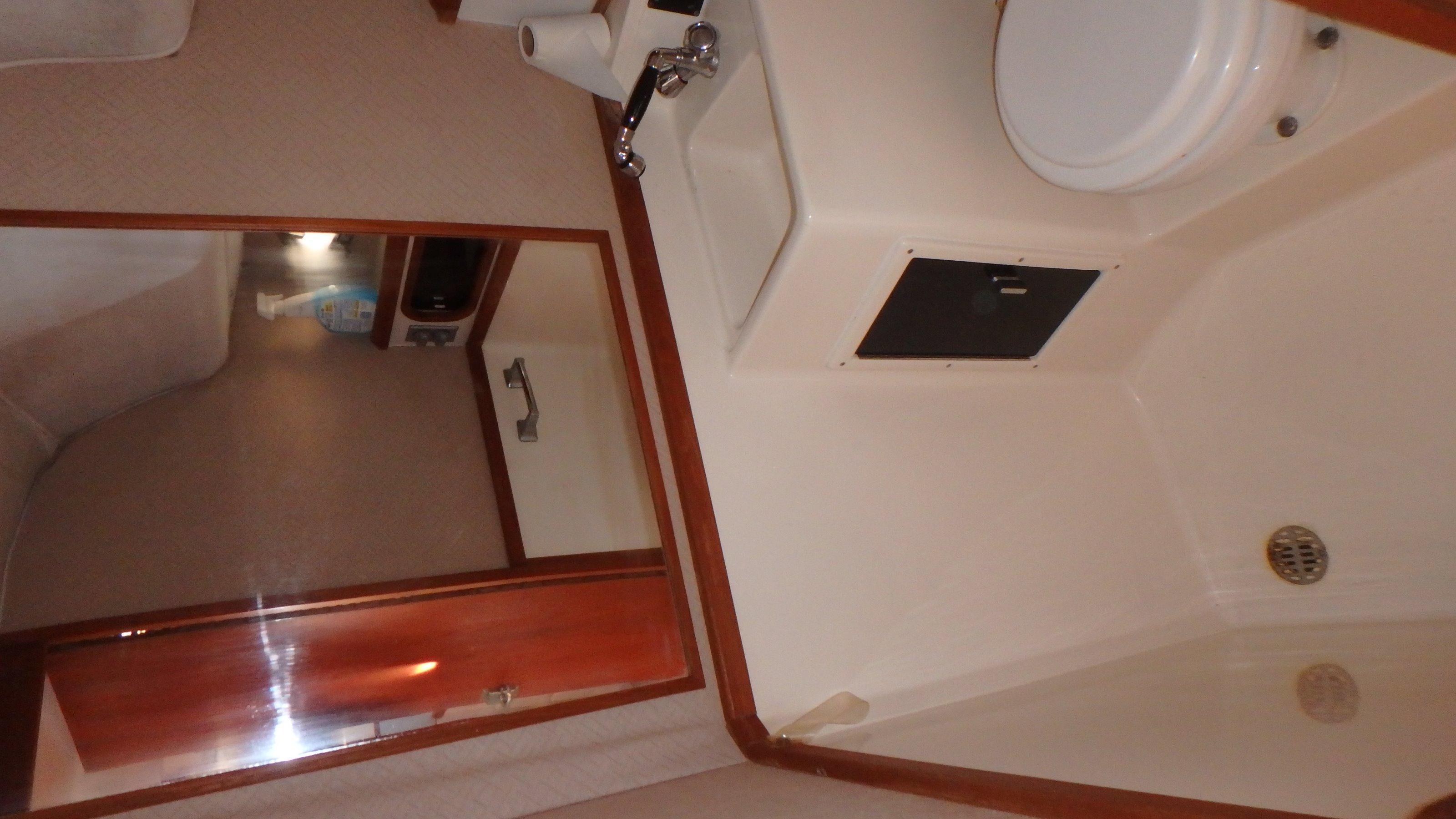 Tiara Yachts 3100 Tower - Photo: #16